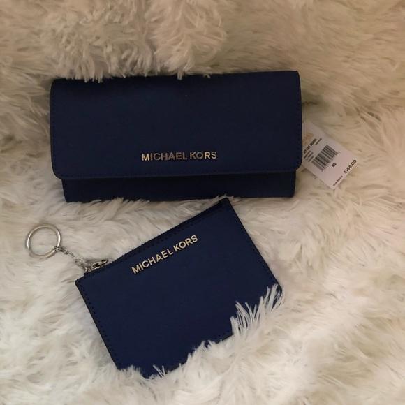 Michael Kors Handbags - Michael Kors wallet with keychain